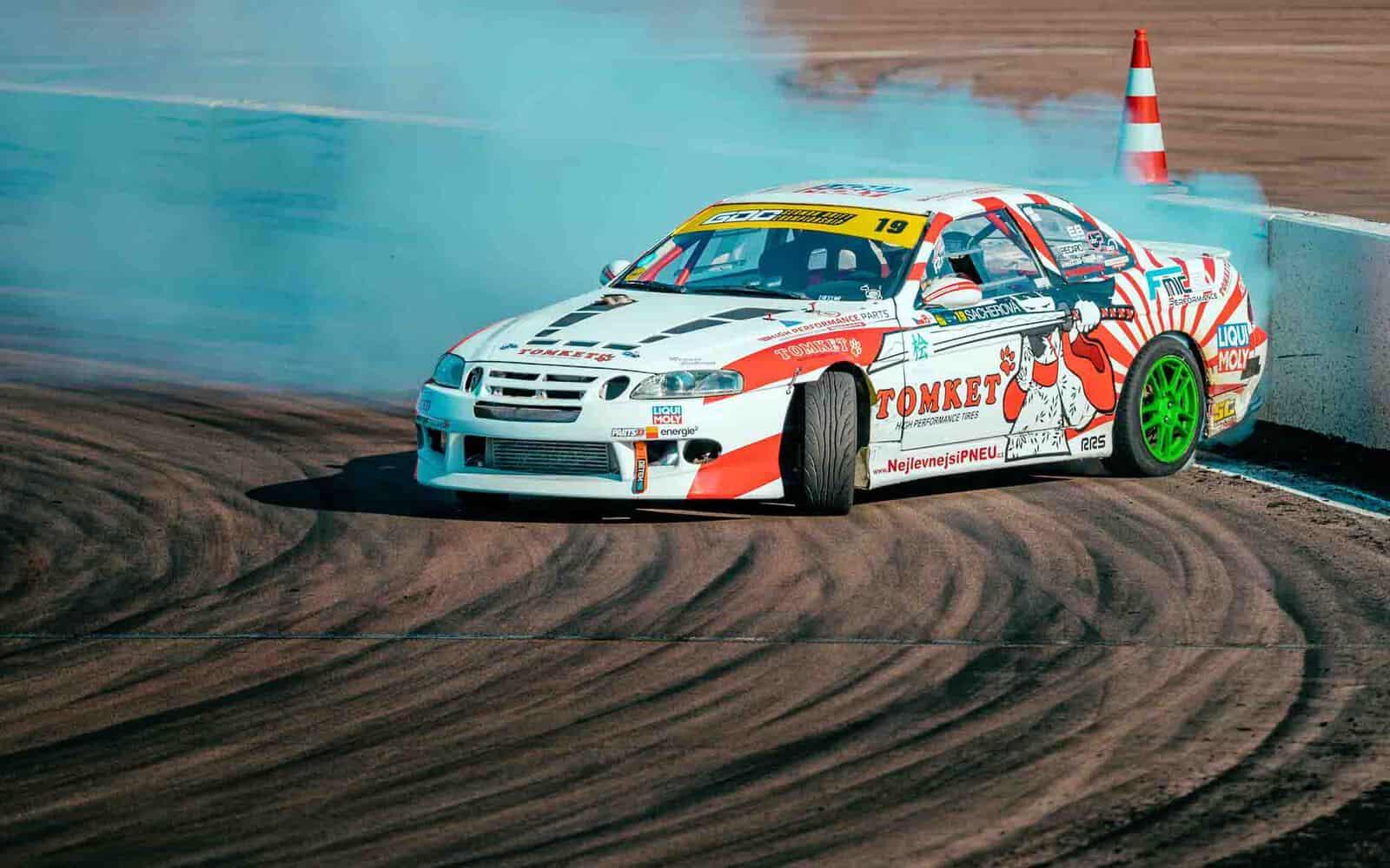 TOMKET - drift
